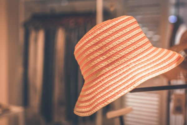 5 Ways to Use Hats to Help Market a Restaurant